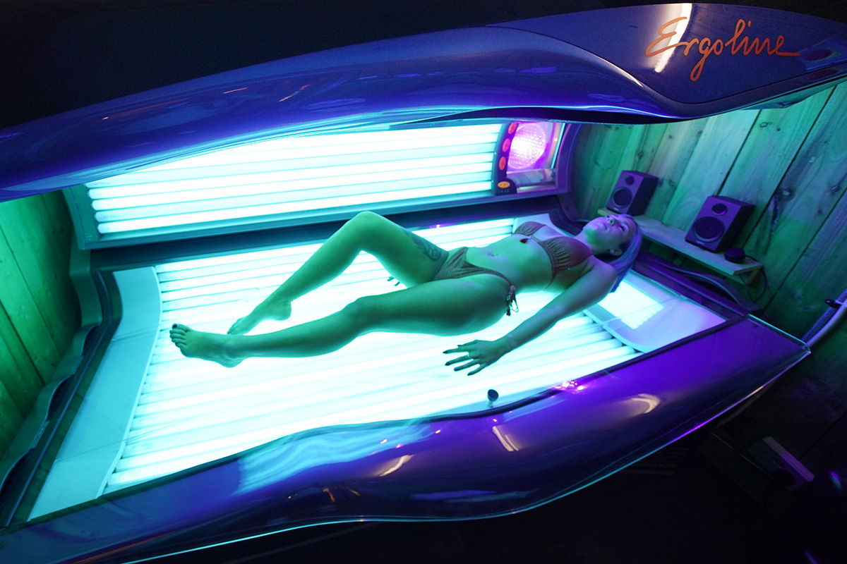 Tan salon buyer finds DEAD BODY on solar mattress in Austria after lady had a two-hour session